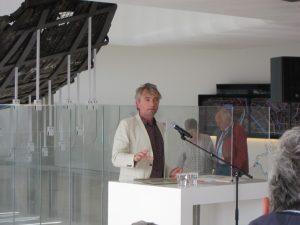 Erik Graafstal ontvangt de Dr. Gravendeel prijs