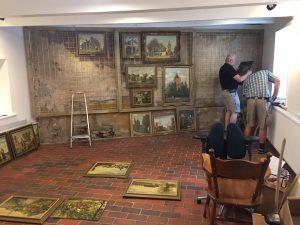 Opbouw van de expositieruimte begin augustus